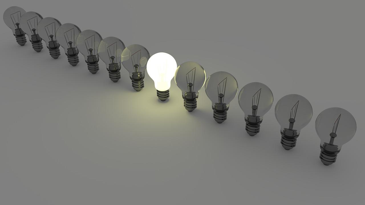 Glühlampen in einer Reihe