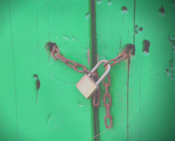 Lock locking a chain
