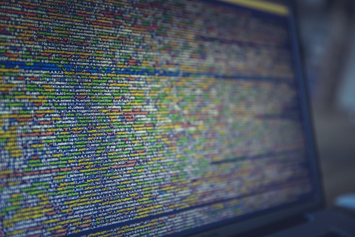 Nahaufnahme von Programmcode auf dem Bildschirm
